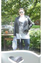 silver Wal Mart top - blue leggings - black jacket - black shoes - green accesso