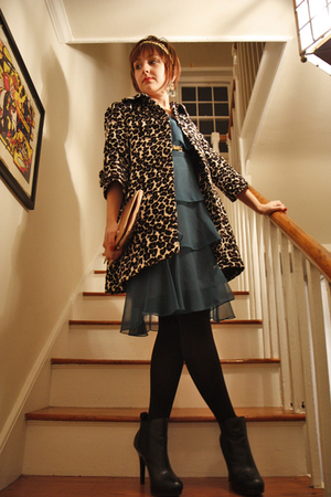 vintage dress - Forever 21 coat - alloy belt - Jessica Simpson boots - Forever 2
