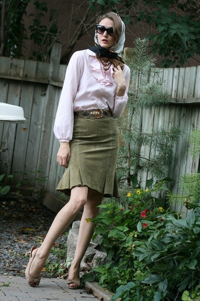 green danier skirt - beige Zara shoes - pink vintage top