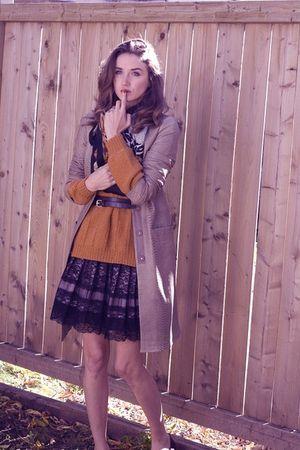 orange My grandmas creation sweater - black Urban Behaviour skirt - brown BCBG j