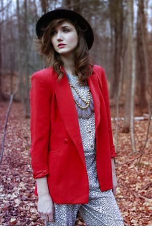 ruby red vintage blazer - beige vintage jumper