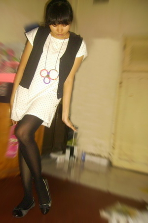 Rodeo vest - unbranded shirt - Pantyhose tights - Peter Keiza shoes