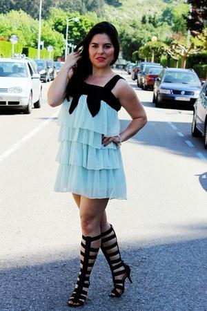 sky blue vintage dress - black Marypaz sandals