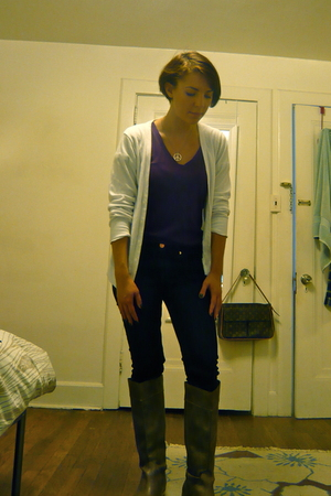 American Apparel top - Rue 21 t-shirt - Uniqlo jeans - Colin Stuart boots