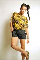 gold top - black Forever 21 shorts