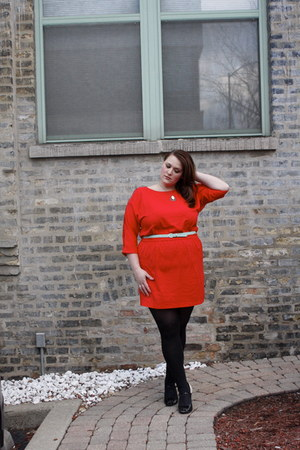 red French Connection dress - black thrifted Mariana By Golo heels