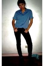 Armani Exchange top - People R People pants - Joan David shoes