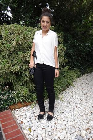 cream collared Country Road shirt - white polka dot chain Sportsgirl bag
