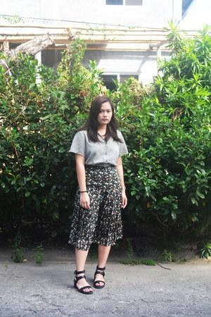 black Forever 21 sandals - black vintage skirt