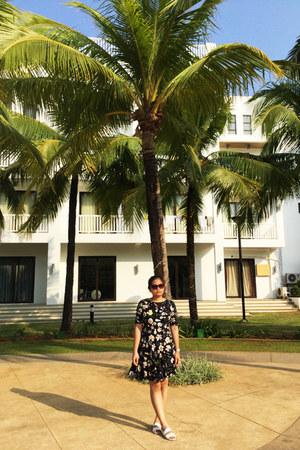 black H&M dress - dark brown Forever 21 sunglasses - white sm parisian sandals