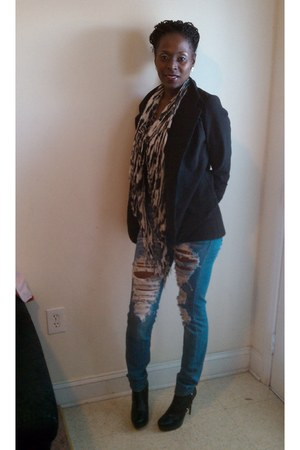Bakers boots - Forever 21 jeans - Forever 21 blazer - Rave scarf