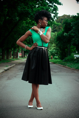 black leather midi Boohoo skirt - green worn as top H&M dress