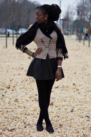 beige 80s thrifted blazer - black tights - black pashmina scarf