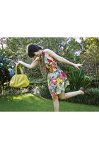 floral print Farm dress - Valeria Pessoa shoes - leather Couthe bag