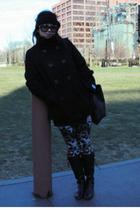black accessories - black Gucci purse - Diane Von Furstenberg leggings - black T