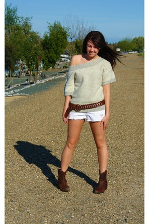 target boots - american eagle sweater - shorts - hollister belt