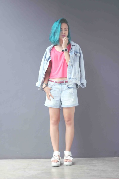 white summer sandals PINX sandals - light blue denim jacket Topshop jacket