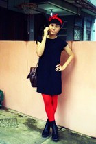 black dress - red tights - black Clarette wedges - dark brown bag