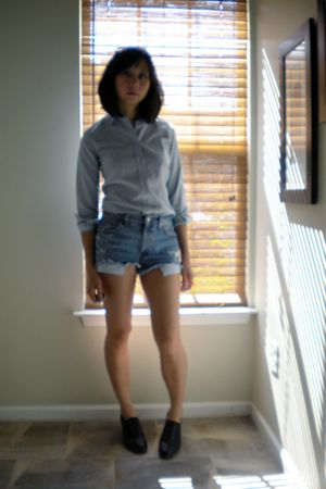 Levis - blue TGIF blouse - Bass shoes - Chanel sunglasses