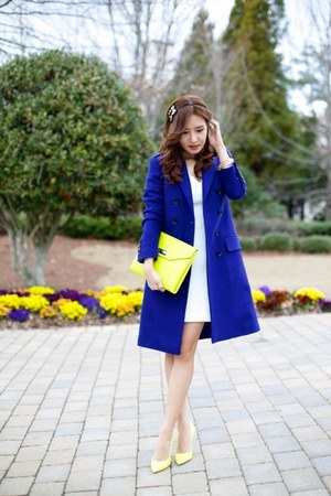 Burberry coat - christian dior bag - christian dior pumps
