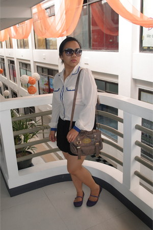 black shorts Bayo shorts - Mulberry bag - WAGW sunglasses