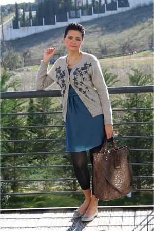 H&M dress - Max Mara bag - TODs flats - vintage cardigan