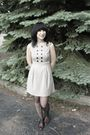 Beige-rouche-dress-gray-cvs-tights-brown-alloy-shoes
