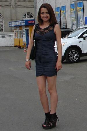 navy Gloria Jeans dress - silver ring - black Bershka wedges - silver earrings -