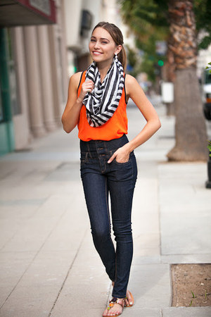 carrot orange cicihot top - sky blue denim asos jeans - black Nordstrom scarf