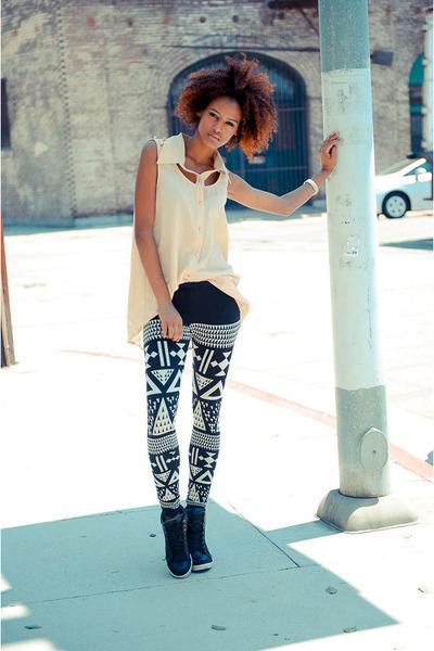 beige cicihot top - black Zara pants