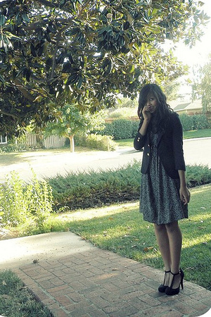 vintage blazer - thrift dress - UrbanOriginal shoes
