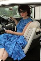 blue vintage dress - black olsenboye heels