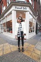 black skinny jack wills jeans - white faux fur Zara jacket