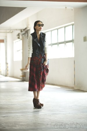 brick red plaid AT by Atsuro Tayama skirt - black leather Topshop jacket
