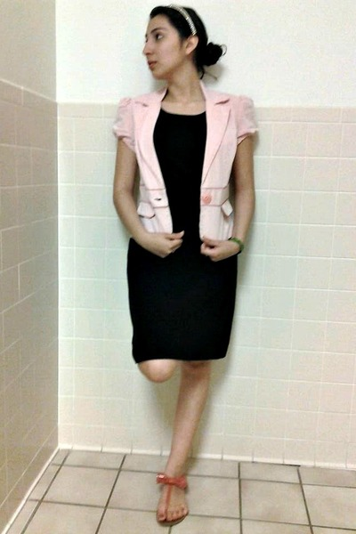 Black dress light pink shoes
