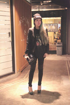 black beanie knitted Dignity hat - black Nefertiti leggings - black Zara blazer