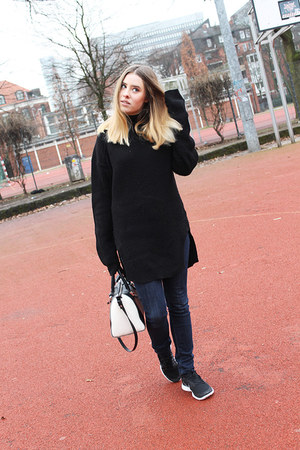 Levis jeans - H&M Trend sweater - nike sneakers