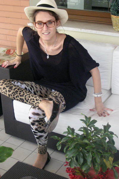 roberto cavalli leggings - black paul&joe jumper - black Miu Miu shoes - beige P