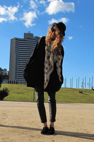 black Sports Girl hat - black Melissa shoes - black leather JO NO FUI leggings