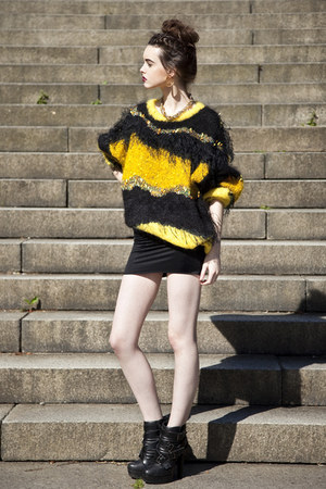 vintage hand knit sweater
