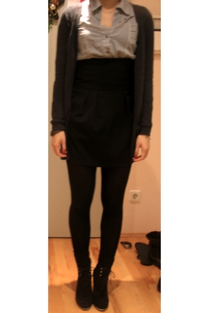 black Zara skirt - black H&M tights - black Zara shoes - blue Zara blouse - gray
