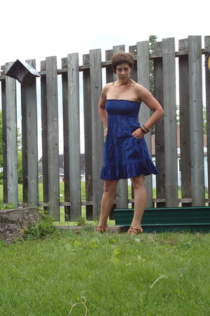 blue Walmart dress - beige Walmart shoes - brown dollar store earrings - brown c