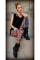 hot pink Topshop leggings - black Forever 21 boots - black Guess purse