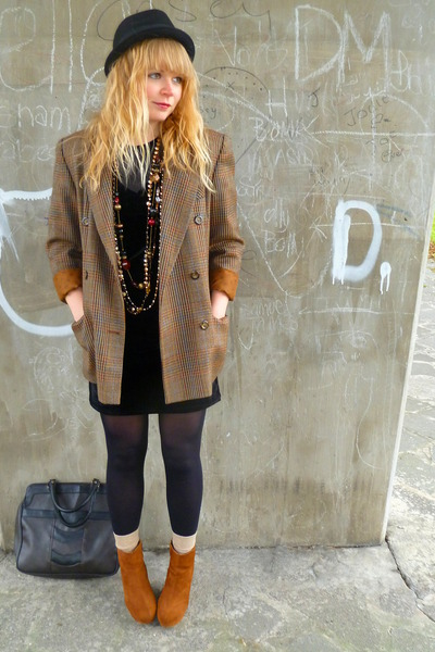brown tweed vintage blazer - tawny Bamboo shoes - black velvety random dress