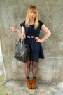 Navy-jacquard-dahlia-dress-brown-vintage-bag