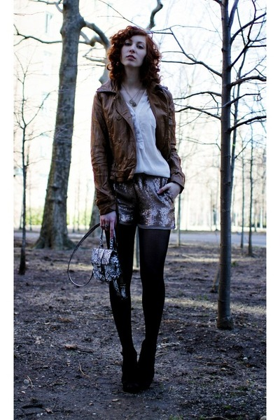 Zara jacket - H&M bag - Club Monaco shorts - Aldo heels - Forever 21 blouse