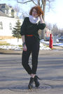 White-scarf-green-jcrew-sweater-black-banana-republic-pants-black-steven-