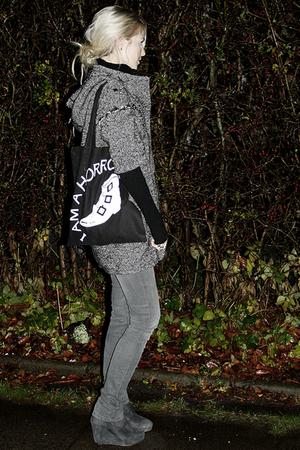 Rtzou boots - the horrors accessories - Zara coat