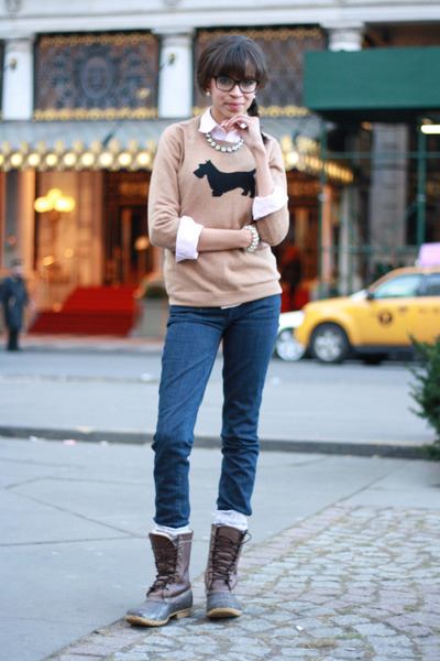 http://images0.chictopia.com/photos/clarabellecwb/3563820065/ll-bean-boots-jcrew-sweater_400.jpg