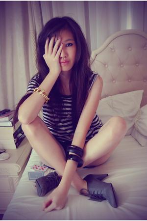 Zara shirt - NyLa shorts - my sisters DIY bracelet - Forever21 bracelet - Zara b